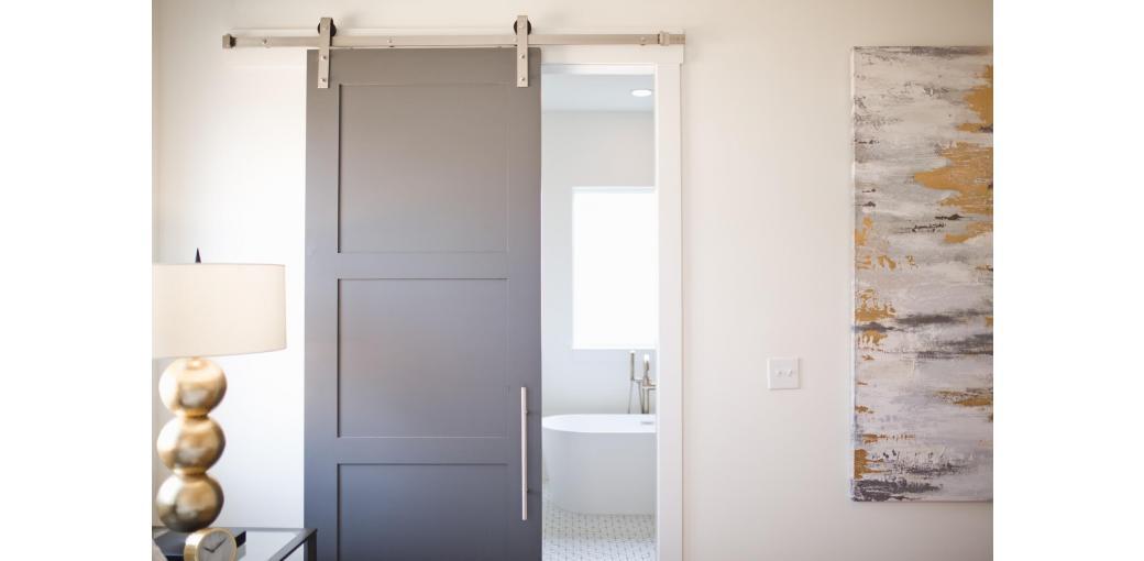 Jak dopasować drzwi przesuwne do stylu domu?