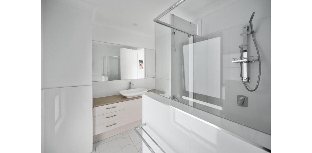 DIY – System zabudowy kabin prysznicowych